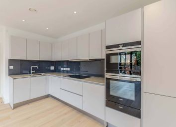 Thumbnail 2 bed flat to rent in Kidderpore Avenue, Hampstead