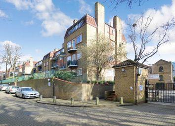 Thumbnail 3 bedroom maisonette to rent in Acorn Walk, London