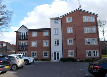 Thumbnail 2 bedroom flat to rent in Plantation Close, Bushey