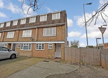 Thumbnail 4 bed town house to rent in Wingway, Brentwood