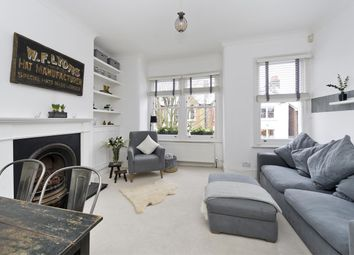 Dingwall Road, Wandsworth, London SW18. 2 bed flat for sale