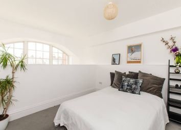 Thumbnail 1 bed flat for sale in Kingsway Square, Battersea