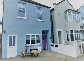 Thumbnail 2 bed flat for sale in Glendale Gardens, Leigh On Sea, Leigh On Sea