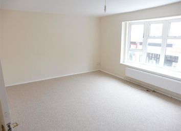 Thumbnail 3 bedroom flat to rent in Stoneycroft, Hemel Hempstead