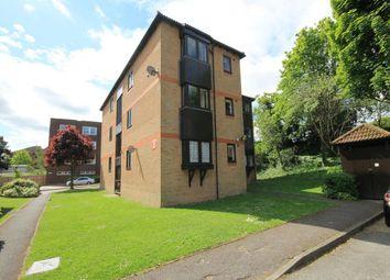 Thumbnail Studio to rent in Rushdon Close, Gidea Park, Romford
