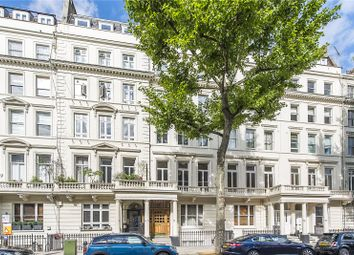 3 bed flat for sale in Queen's Gate