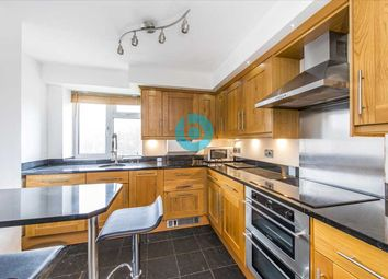 Thumbnail Flat for sale in Earlsfield Road, London