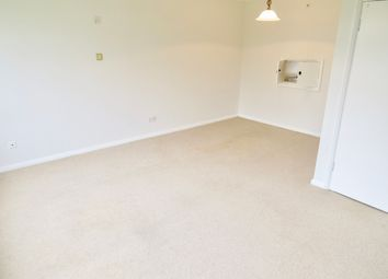 Thumbnail 2 bed maisonette to rent in Park Farm Close, East Finchley