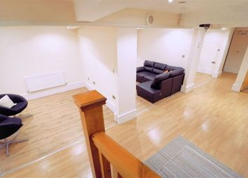 Thumbnail 2 bed flat to rent in Bills Included, Central Location, 2 To 3 Bedroom