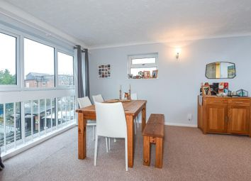 Thumbnail 2 bedroom flat to rent in Aston Street, East Oxford