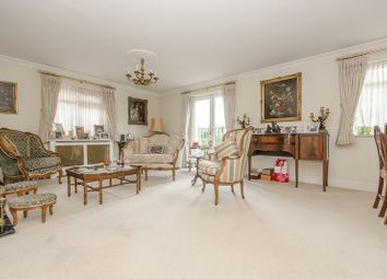 Thumbnail Flat for sale in Riverside Gardens, London