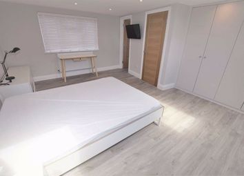 Thumbnail Room to rent in Montagu Road, London