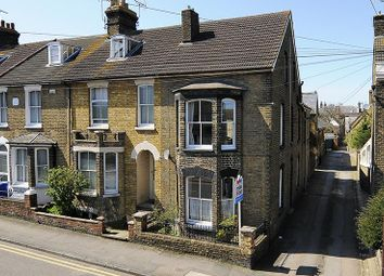 4 bed property for sale in Newton Road, Faversham ME13
