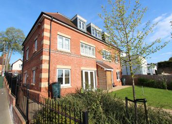 Thumbnail 2 bed maisonette to rent in Northcourt Avenue, Reading