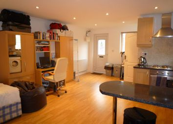 Thumbnail Studio to rent in Mountfield Road, Finchley, London