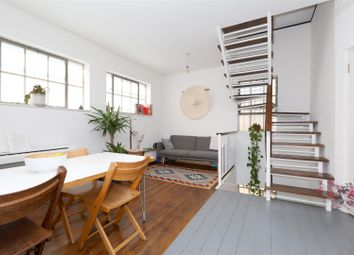 3 bed property for sale in Station Approach, London N16