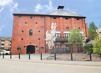 Thumbnail 1 bed flat to rent in Simmonds Malthouse, Fobney Street, Reading, Berkshire