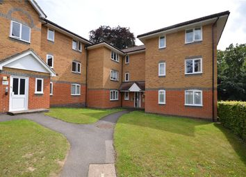 Masefield Gardens, Crowthorne, Berkshire RG45. 2 bed flat