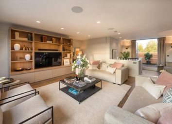 Thumbnail 3 bed flat for sale in Cadogan Gardens, London