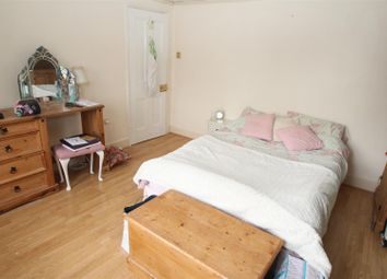 Thumbnail Room to rent in Crescent Road, Old Town, Hemel Hempstead