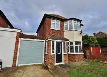 3 bed detached house to rent in Abbotts Close, Romford RM7