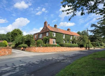 Thumbnail 4 bed cottage for sale in Rise Road, Hull