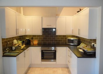 Thumbnail 3 bedroom flat to rent in Stanford Road, Basingstoke