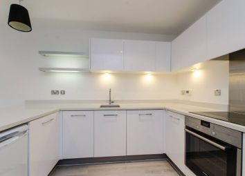 Thumbnail 1 bed flat to rent in Mansford Street, Bethnal Green