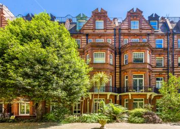 Thumbnail 4 bed flat for sale in Sloane Gardens, Chelsea