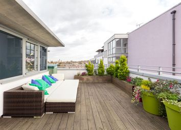 Thumbnail 2 bed flat to rent in Nebraska Building, Deals Gateway, Greenwich, London