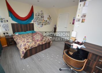 Thumbnail 2 bed flat to rent in Woodsley Road, Hyde Park, Leeds