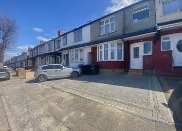Thumbnail 5 bed terraced house for sale in Runley Road, Luton