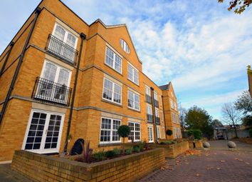 Thumbnail 2 bed flat for sale in Twickenham Road, London, Isleworth