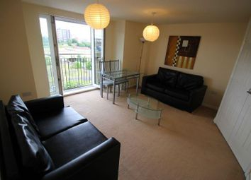 2 bed flat to rent in Middle Wood Street, Salford M5
