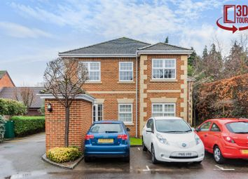 Thumbnail 2 bed flat for sale in Wiltshire Road, Wokingham< Berkshire