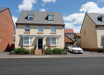 Thumbnail 5 bed town house for sale in Clayhill Drive, Yate, Bristol
