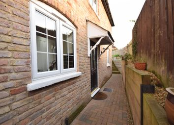 Thumbnail 2 bed cottage for sale in Bridge Street, Leatherhead