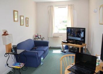 Thumbnail 1 bed flat to rent in Thames Circle, London