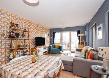 92 St. Clements Avenue, London E3. 2 bed flat