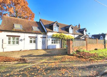 Thumbnail 6 bed detached house for sale in Swallow Lane, Aylesbury