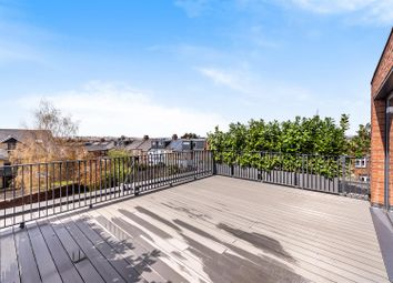 Dersingham Road, Cricklewood NW2. 3 bed flat for sale