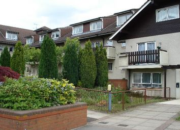 Thumbnail 1 bed flat to rent in York House, Clarence Way, Calcot, Reading