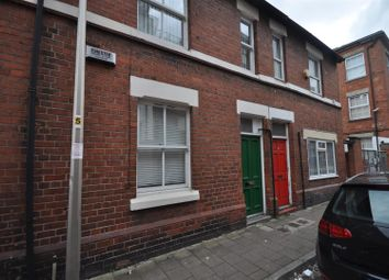 Thumbnail 1 bed flat to rent in Egerton Street, Chester
