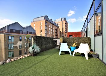 Thumbnail 3 bed flat to rent in Greenwich