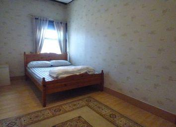 2 bed flat to rent in Bolton Road, Blackburn BB2