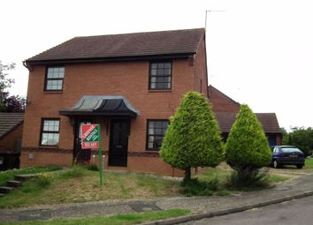 2 bed property to rent in Downsway, Northampton NN4