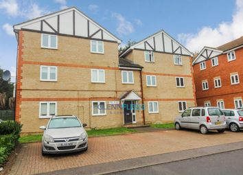Thumbnail 2 bed flat for sale in Maplin Park, Langley, Slough