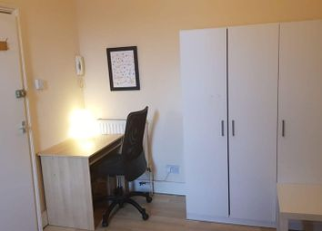 Thumbnail Room to rent in Ferndale Road., Brixton