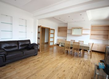 Thumbnail 2 bedroom flat to rent in Golders Green Road, London