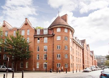 Thumbnail 2 bed flat for sale in Abingdon House, Shoreditch